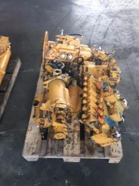 Siłownik pompa hydrauliczna silnik rozdzielacz Liebherr 900 A900