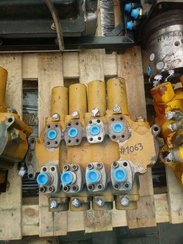 Rozdzielacz hydrauliczny Rexroth (4 Sekcje)