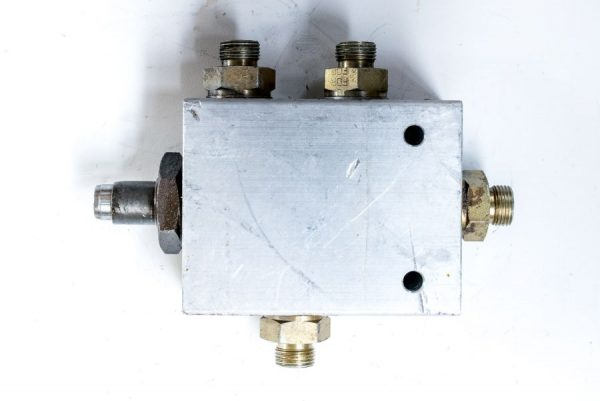 Kostka Comatrol zawór rozdzielacz hydrauliczny