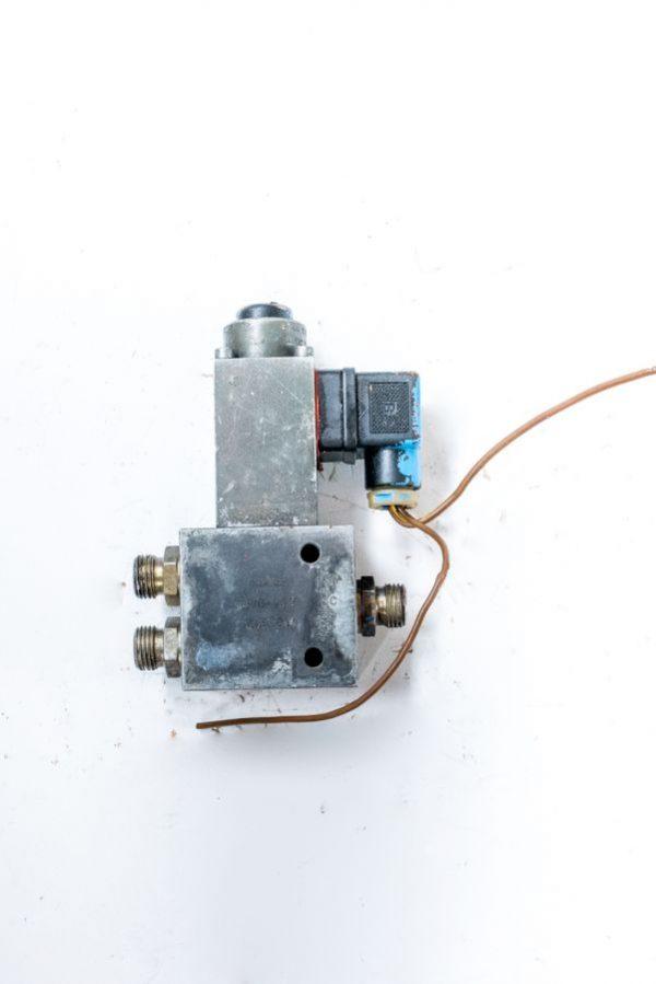 Kostka E-732M zawór rozdzielacz hydrauliczny