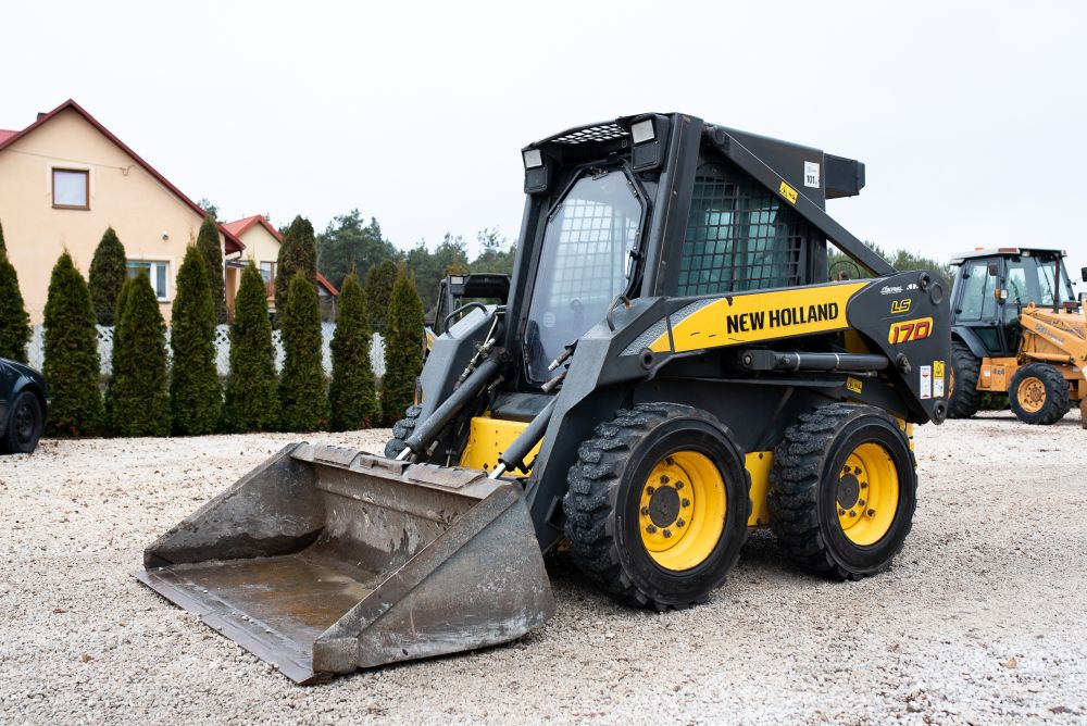 New Holland LS 170